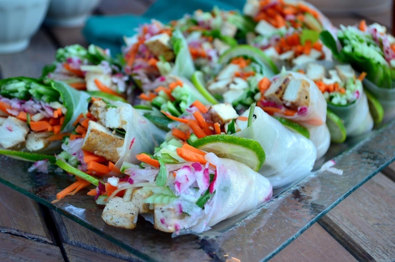 Fresh spring rolls with thai dipping sauce for Aura thai fusion cuisine