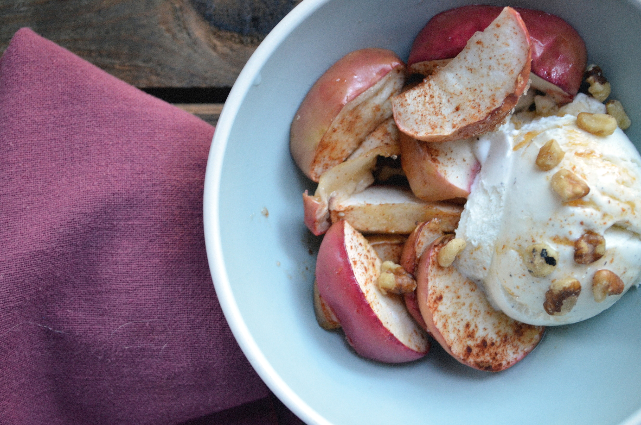 Roasted Apples With Vanilla Bean Ice Cream And Apple Cider ...